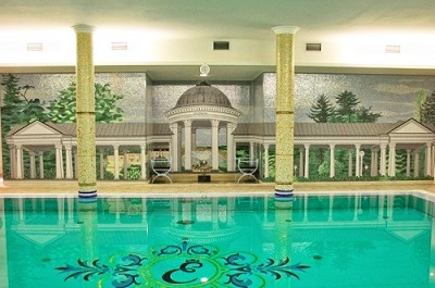 relaxing-indoor-pool